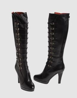 obleke,čevlji in podbno 440759571B_2