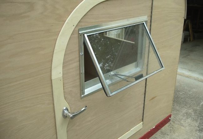How to Build a Teardrop Camper Trailer-door-wos