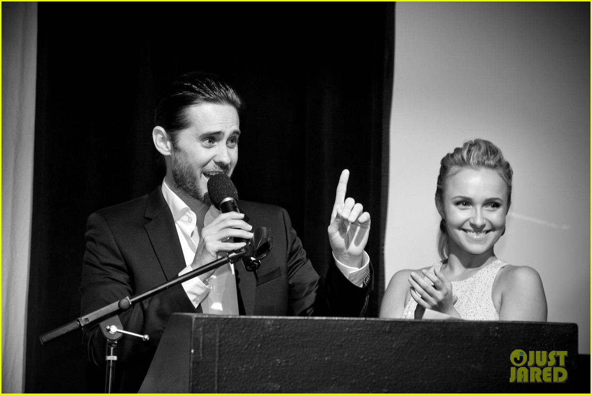 Jared Leto at the WildAid Charity Gala / 11 mai 2012 Jared-leto-hayden-panettiere-wildaid-charity-gala-07