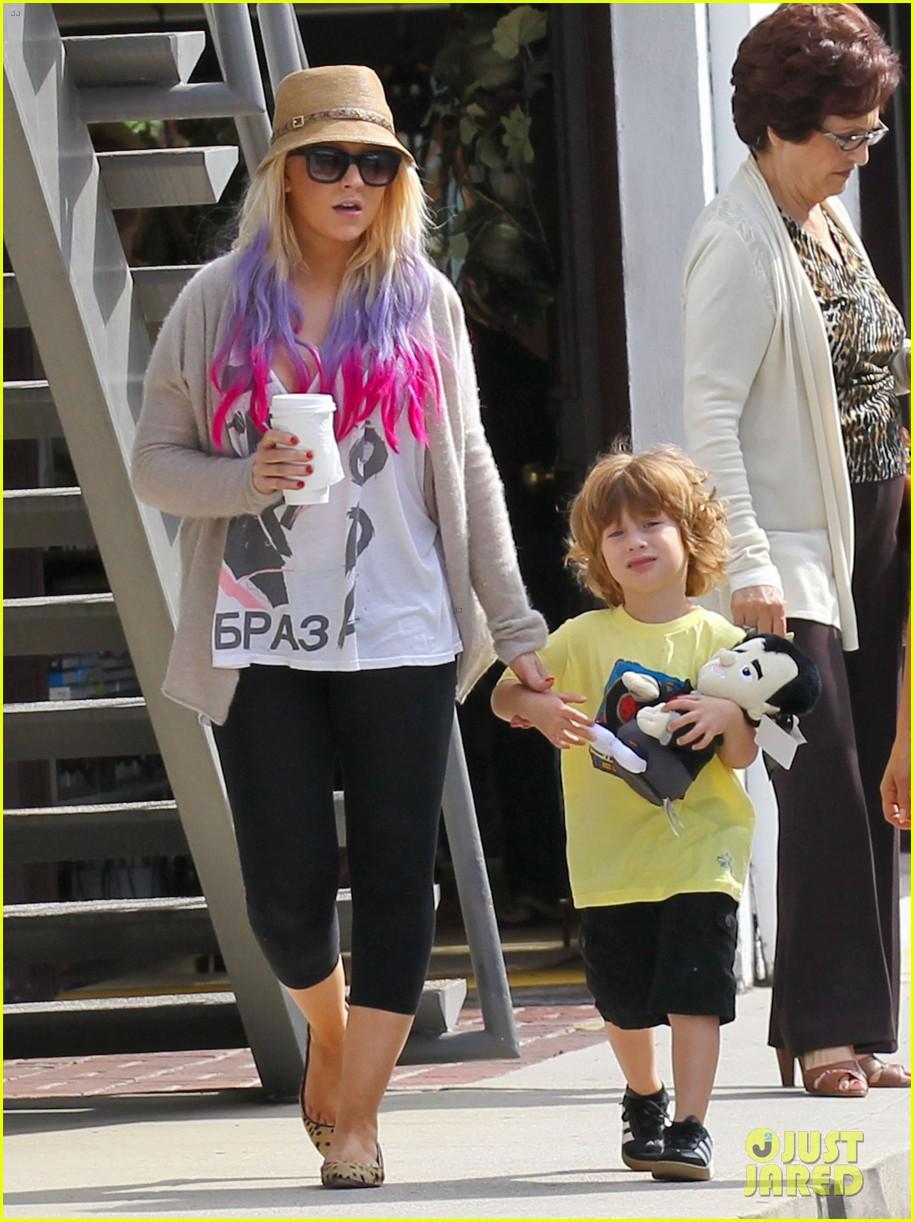 [Fotos] Christina Aguilera y Matthew Rutler: De compras con Max! (Sabado 6 octubre) Christina-aguilera-matthew-rutler-shopping-with-max-02