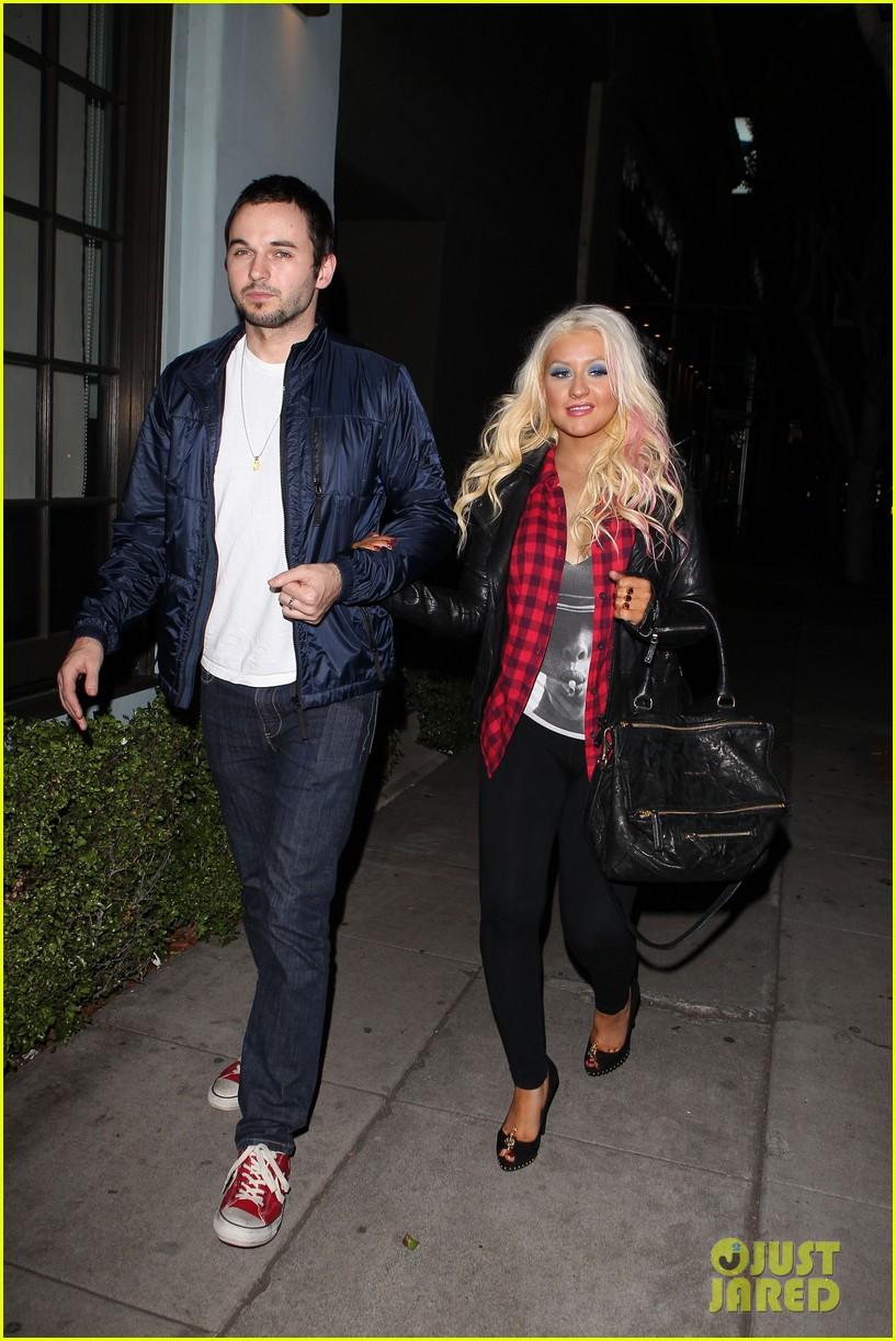 Christina Aguilera & Matthew Rutler: Osteria Mozza Date Night! Christina-aguilera-matthew-rutler-osteria-mozza-date-night-08