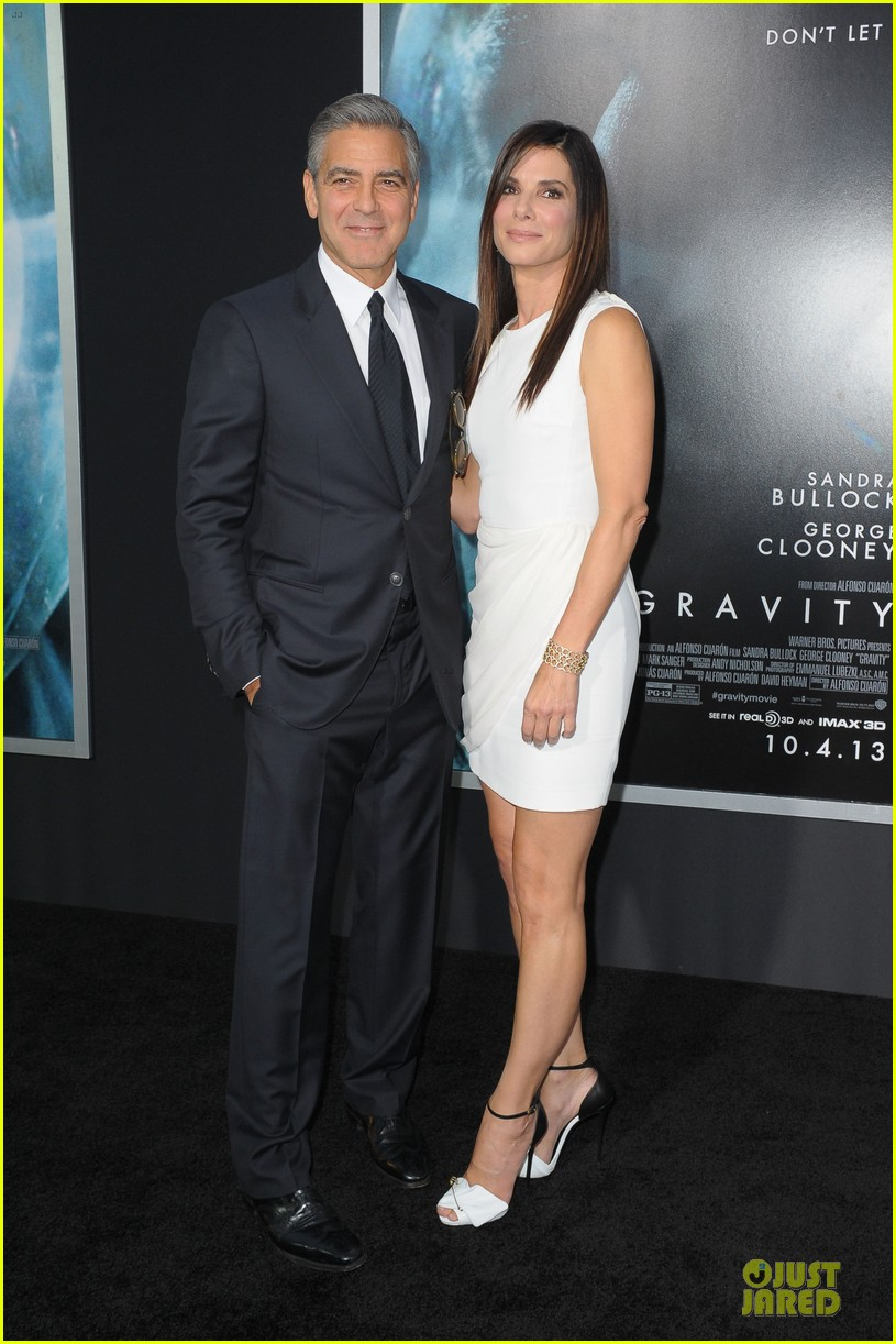 ¿Cuánto mide George Clooney? - Altura - Real height - Página 2 Sandra-bullock-george-clooney-gravity-nyc-premiere-03