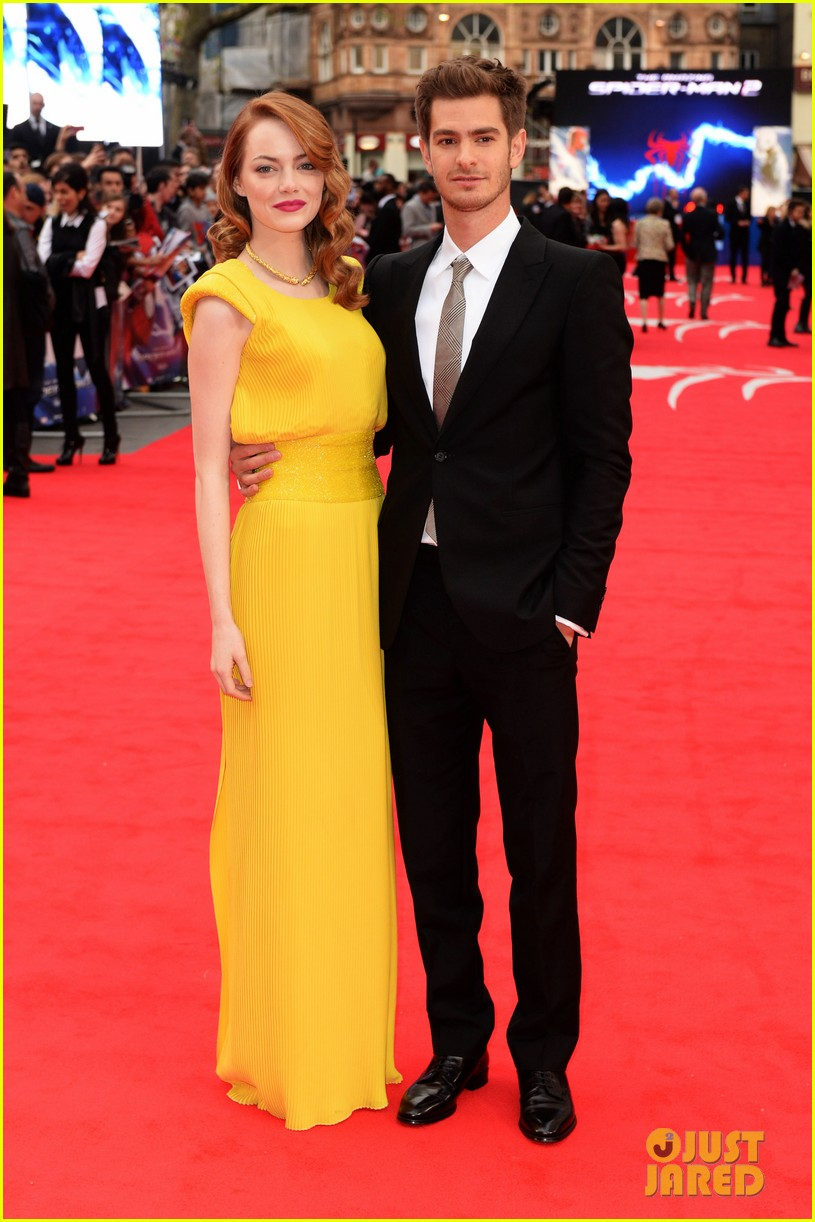 ¿Cuánto mide Emma Stone? - Altura - Real height Emma-stone-andrew-garfield-eyes-for-each-other-spider-man-2-premiere-06