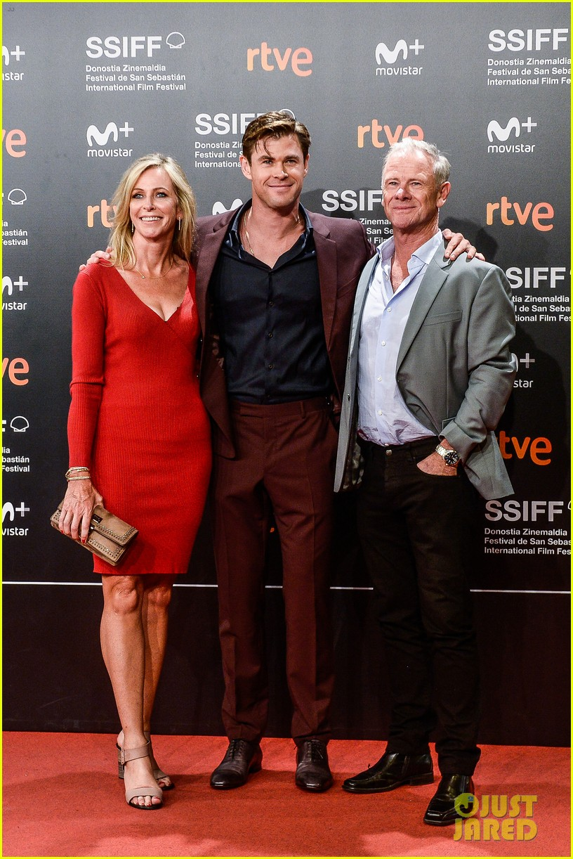 ¿Cuánto mide Luke Hemsworth? - Altura - Real height Chris-hemsworth-san-sebastian-film-festival-03