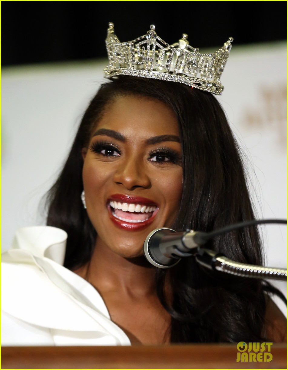 nia imani franklin, miss america 2019. Miss-america-2019-new-york-nia-imani-franklin-04
