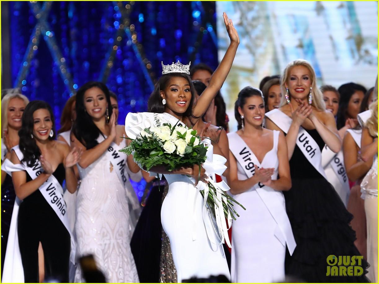 nia imani franklin, miss america 2019. - Página 2 Miss-america-2019-new-york-nia-imani-franklin-20