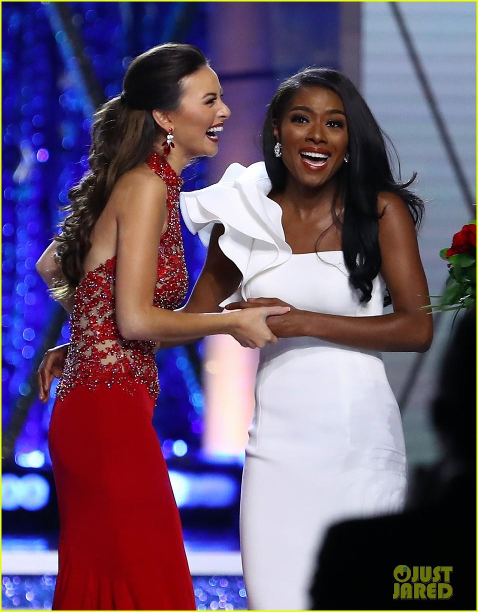 nia imani franklin, miss america 2019. - Página 2 Miss-america-2019-new-york-nia-imani-franklin-24