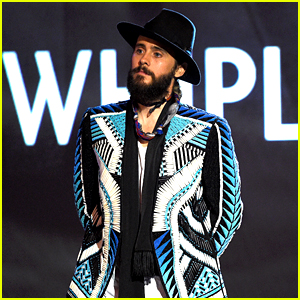 Meilleur look aux Spirit Awards 2015 Jared-leto-wins-most-colorful-guy-at-spirit-awards-2015