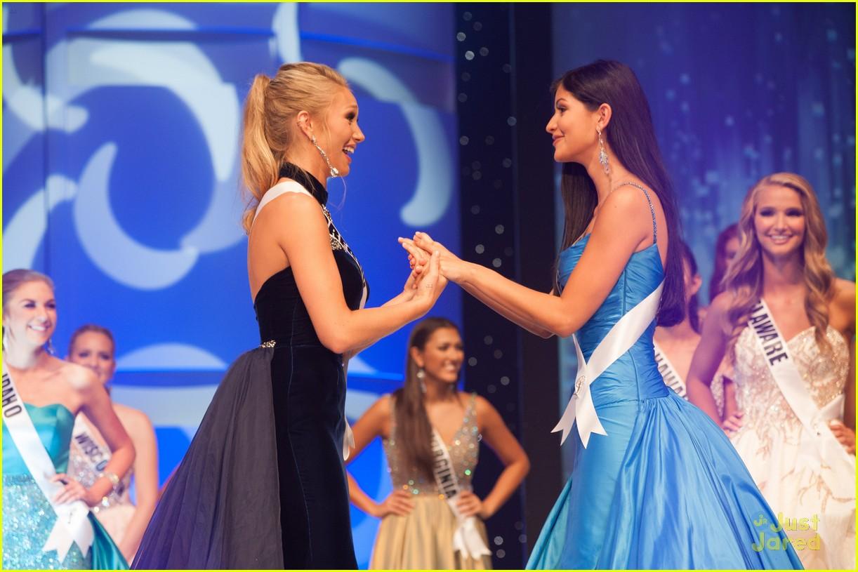 sophia dominguez-heithoff, miss teen usa 2017. - Página 2 Miss-teen-usa-sophia-vanessa-friendship-friday-moment-01