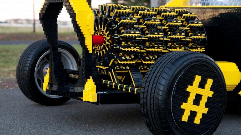 Coche fabricado con 500.000 piezas de Lego que funciona 0010500194