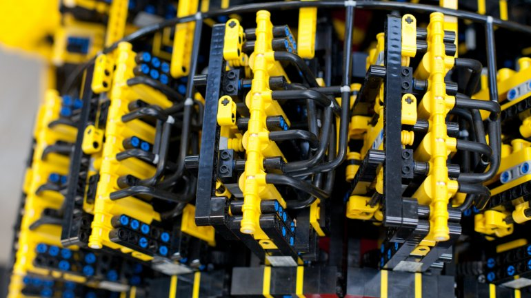 Coche fabricado con 500.000 piezas de Lego que funciona 0010500213
