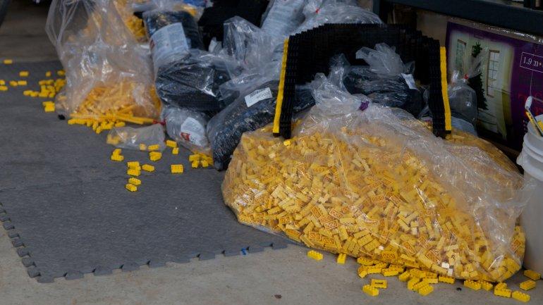 Coche fabricado con 500.000 piezas de Lego que funciona 0010500235