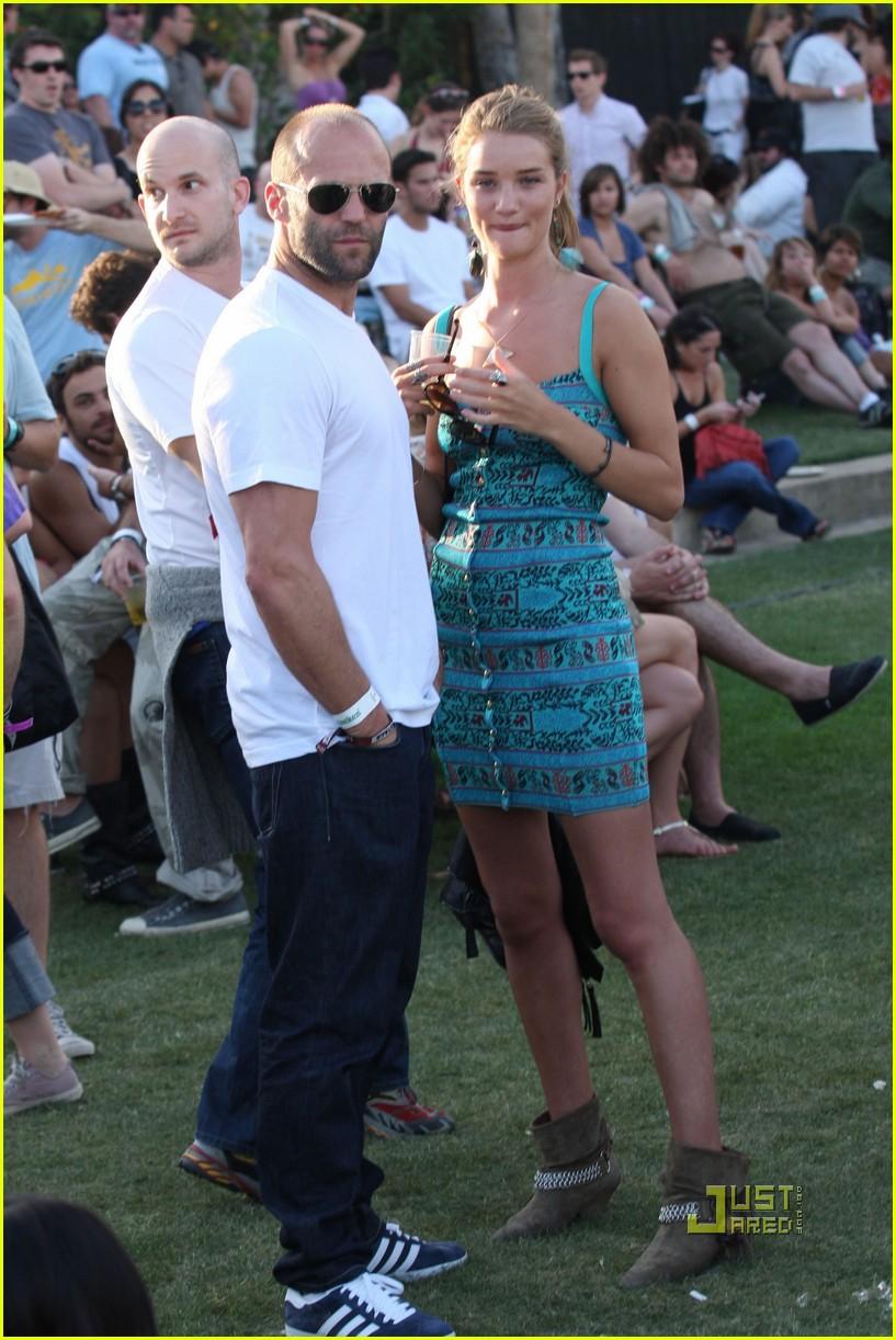 ¿Cuánto mide Jason Statham? - Altura - Real height - Página 3 Jason-statham-rosie-huntington-whiteley-04