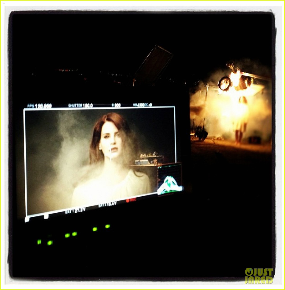 Videoclip >> Summertime Sadness Lana-del-rey-summertime-sadness-preview-06