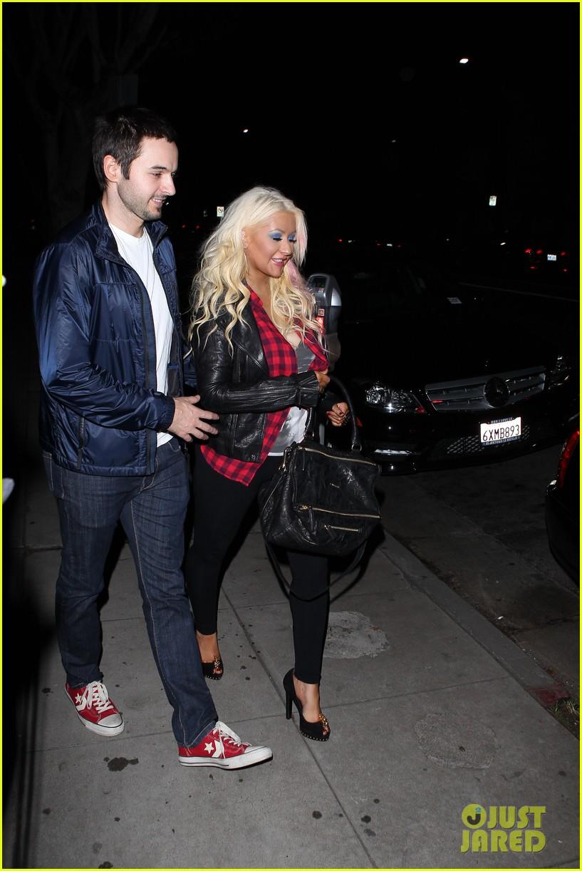 Christina Aguilera & Matthew Rutler: Osteria Mozza Date Night! Christina-aguilera-matthew-rutler-osteria-mozza-date-night-02