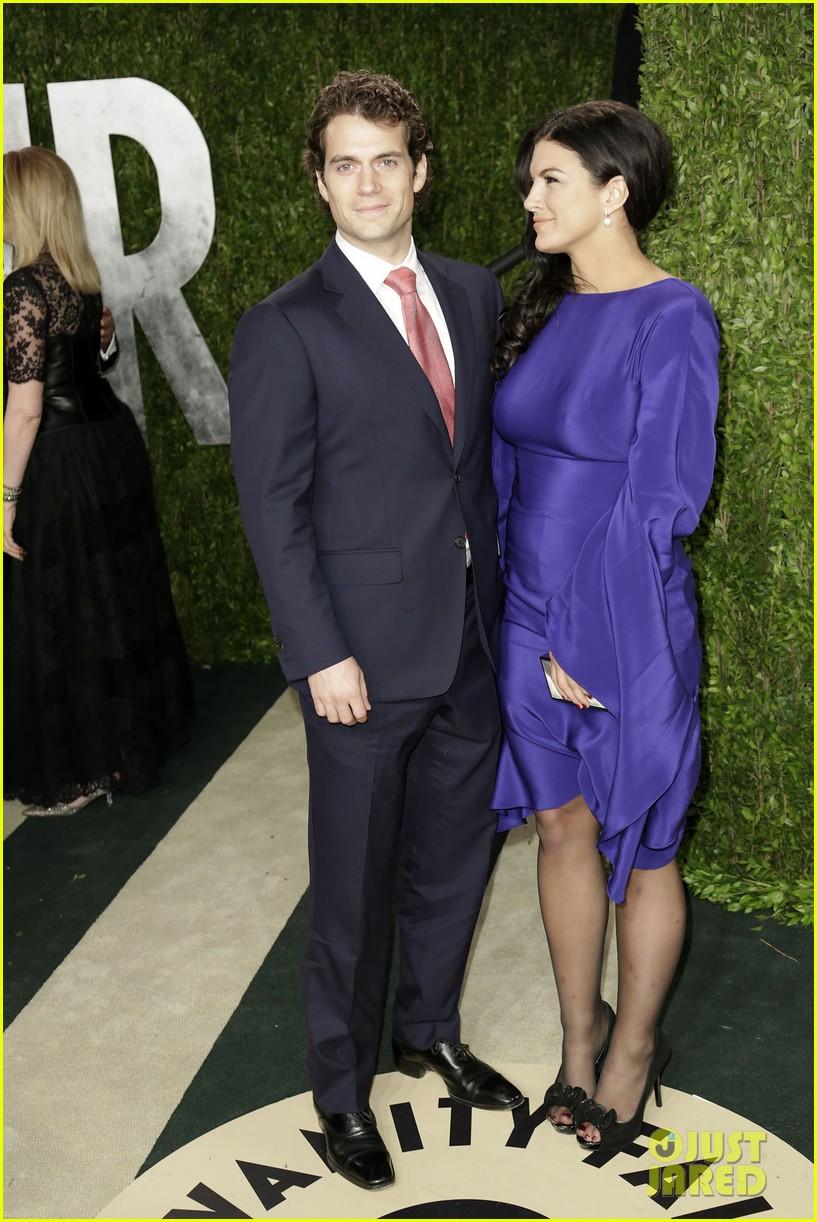 ¿Cuánto mide Gina Carano? - Real height Henry-cavill-gina-carano-vanity-fair-oscars-party-2013-09