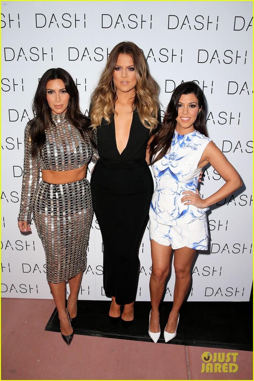 ¿Cuánto mide Khloe Kardashian? - Real height Kourtney-khloe-kim-kardashian-open-dash-store-in-miami-03