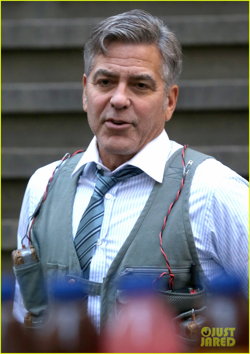 George Clooney Walking Around New York City In A Suicide Vest While Filming 'Money Monster' Friday, 24th April 2015 George-clooney-bombs-strapped-to-chest-05