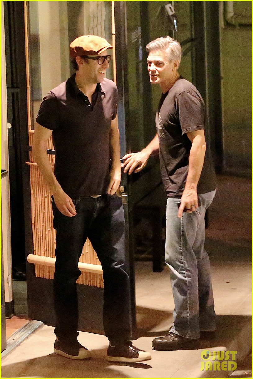George Clooney & Sacha Baron Cohen Hug It Out After Dinner George-clooney-sacha-baron-cohen-go-to-dinner-01
