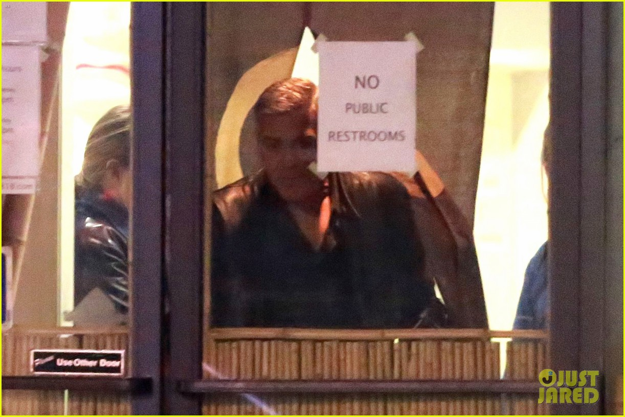 George out for sushi in Studio City with friends  11-6-16 George-clooney-grabs-dinner-with-friends-in-la-12