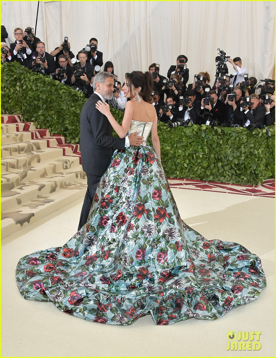 George and Amal at Met Gala Amal-clooney-george-clooney-met-gala-2018-05