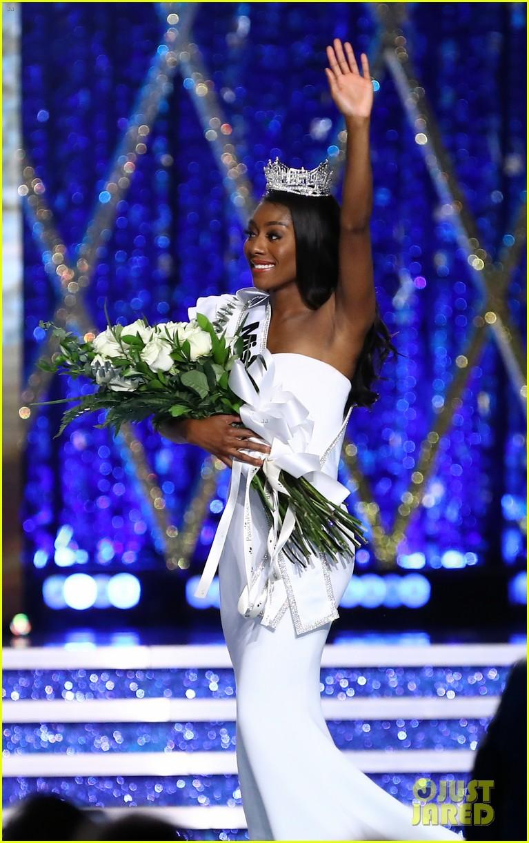 nia imani franklin, miss america 2019. - Página 2 Miss-america-2019-new-york-nia-imani-franklin-17