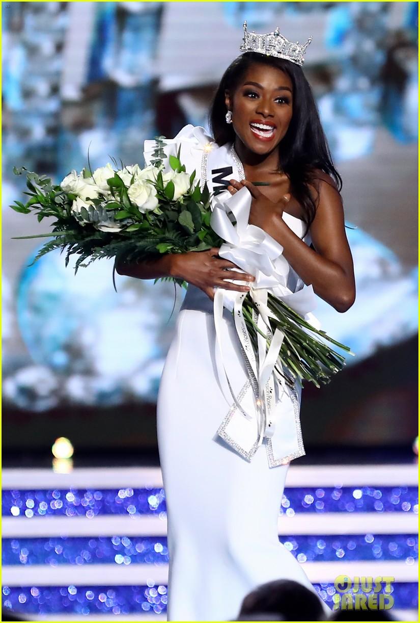 nia imani franklin, miss america 2019. - Página 3 Miss-america-2019-new-york-nia-imani-franklin-37