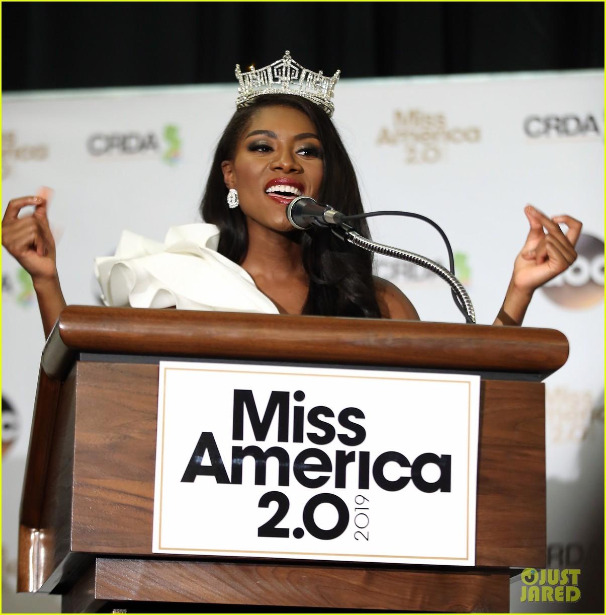 nia imani franklin, miss america 2019. - Página 3 Miss-america-2019-new-york-nia-imani-franklin-45