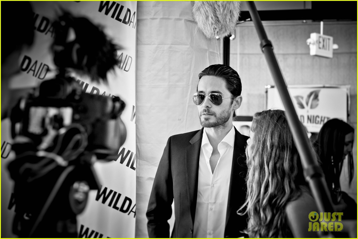Jared Leto at the WildAid Charity Gala / 11 mai 2012 Jared-leto-hayden-panettiere-wildaid-charity-gala-10