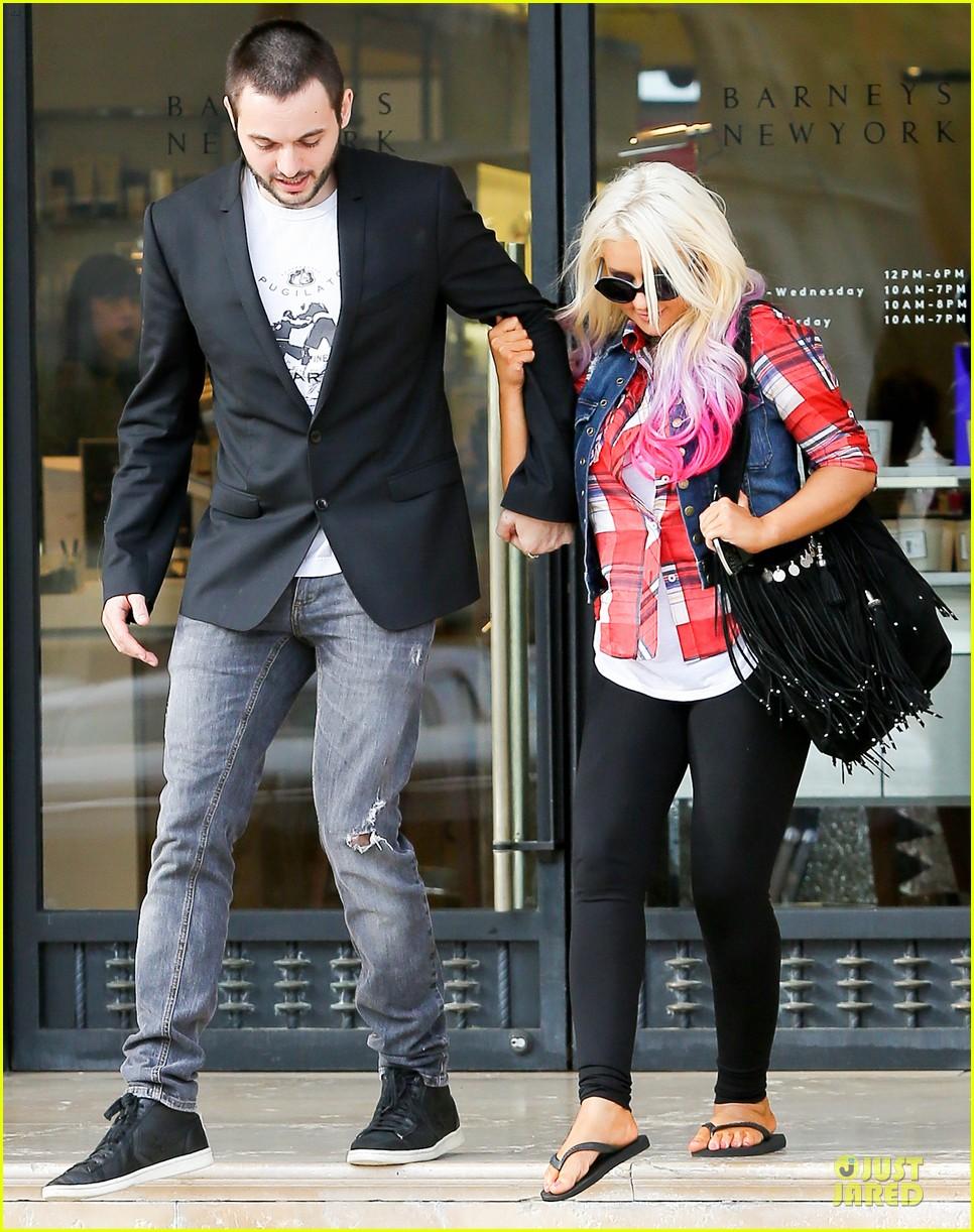[Fotos] Christina Aguilera -  Beverly Hills 09/10/2012 Christina-aguilera-american-music-award-performer-07