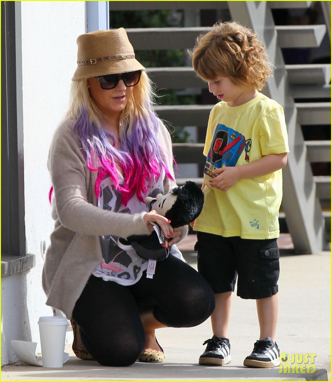 [Fotos] Christina Aguilera y Matthew Rutler: De compras con Max! (Sabado 6 octubre) Christina-aguilera-matthew-rutler-shopping-with-max-10