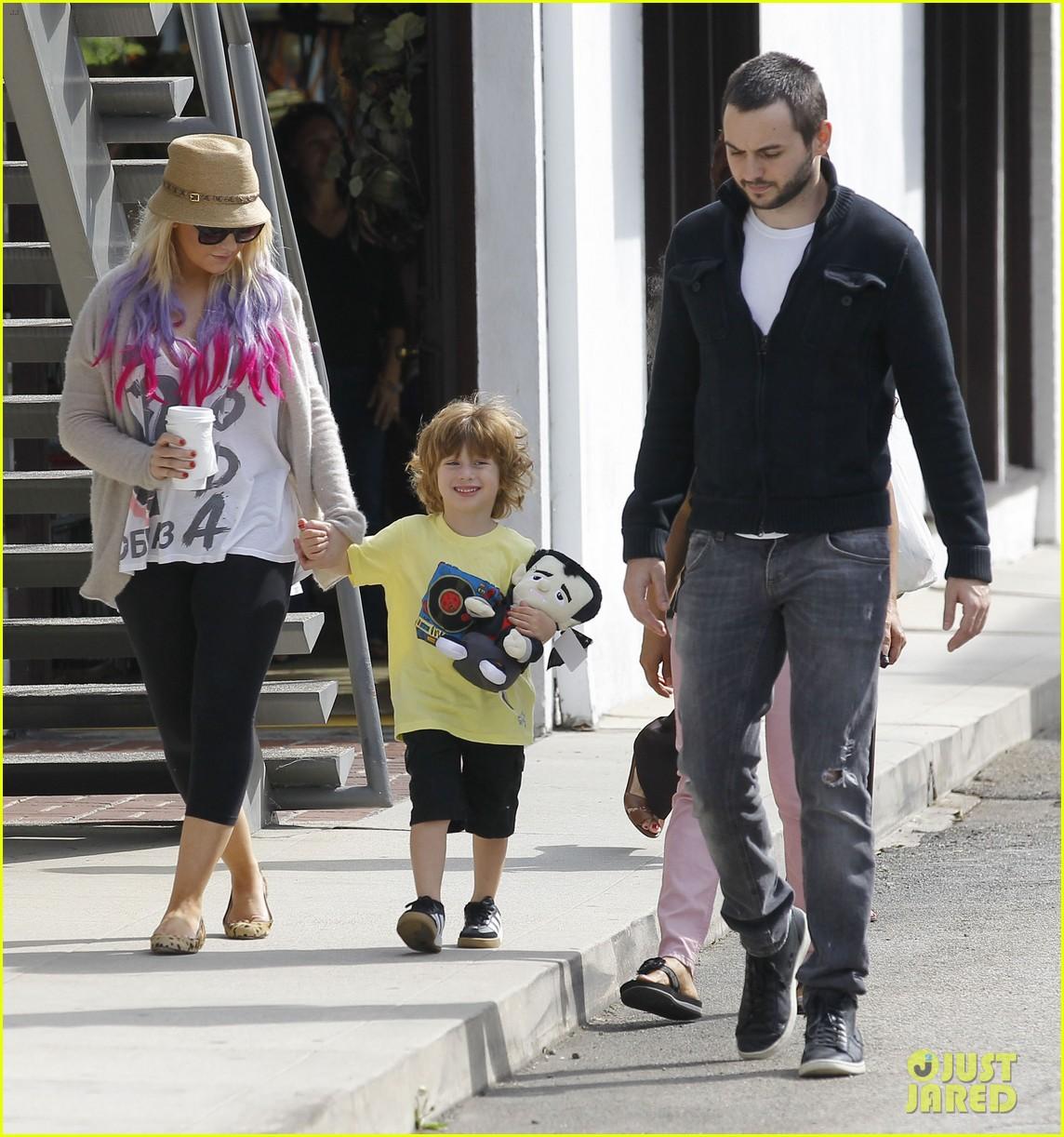 [Fotos] Christina Aguilera y Matthew Rutler: De compras con Max! (Sabado 6 octubre) Christina-aguilera-matthew-rutler-shopping-with-max-18
