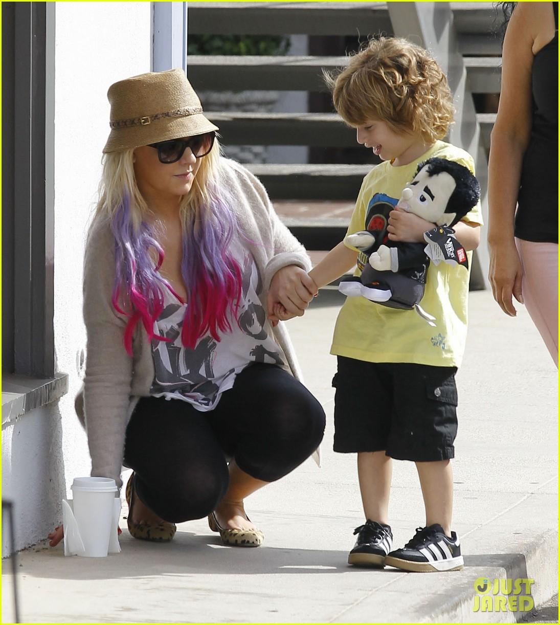 [Fotos] Christina Aguilera y Matthew Rutler: De compras con Max! (Sabado 6 octubre) Christina-aguilera-matthew-rutler-shopping-with-max-20