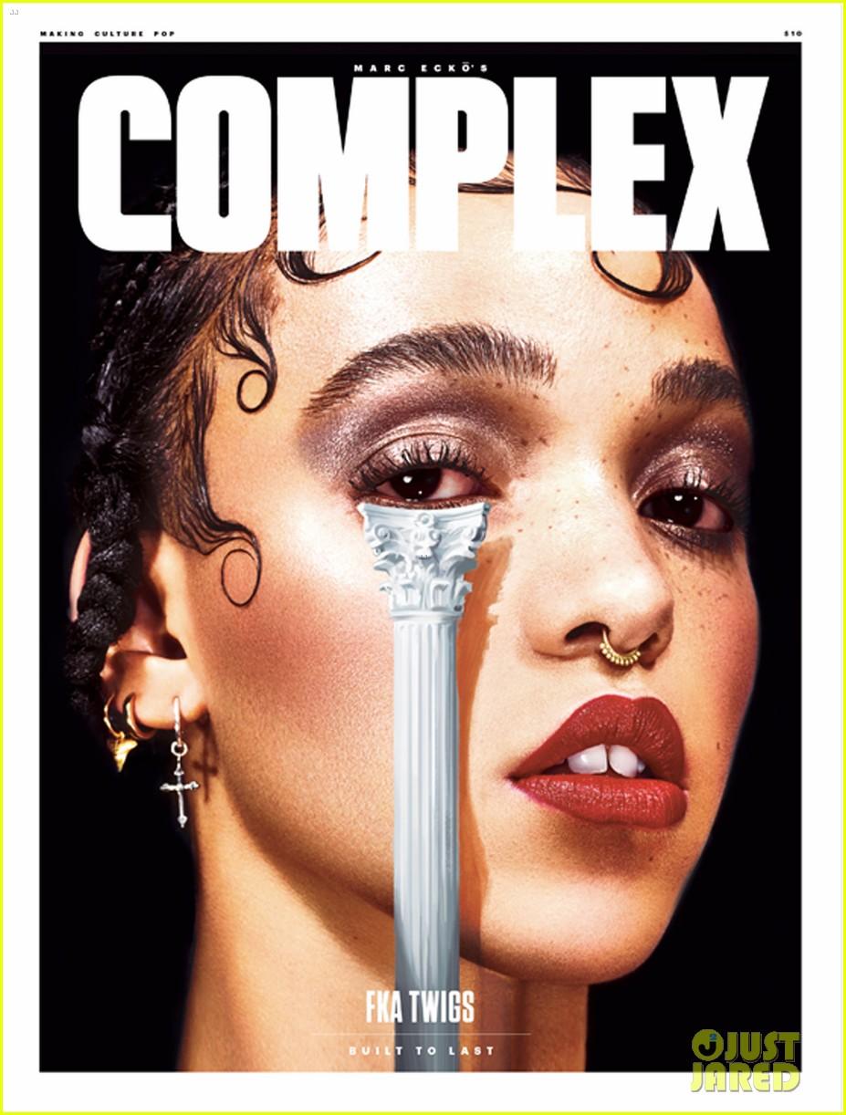 FKA Twigs en la portada de COMPLEX MAGAZINE. Fka-twigs-t-pain-spilling-on-her-engagement-to-robert-pattinson-01