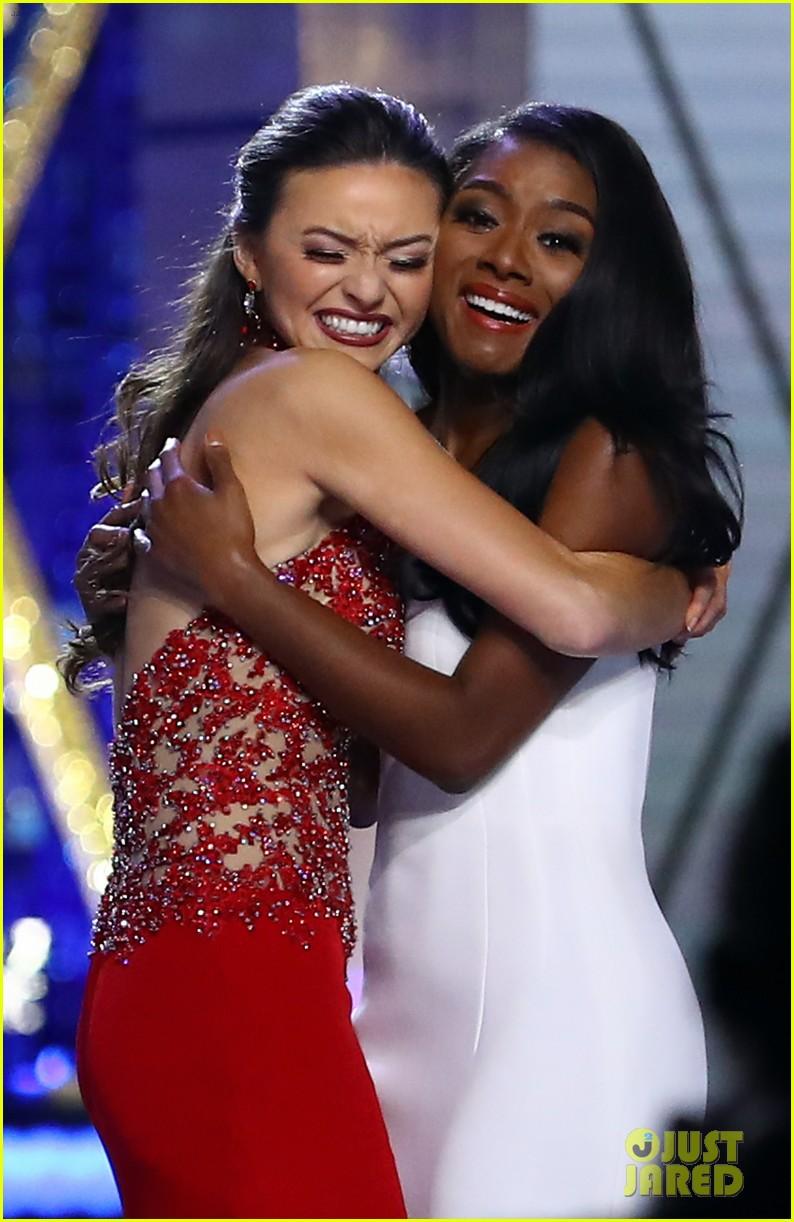 nia imani franklin, miss america 2019. - Página 2 Miss-america-2019-new-york-nia-imani-franklin-22