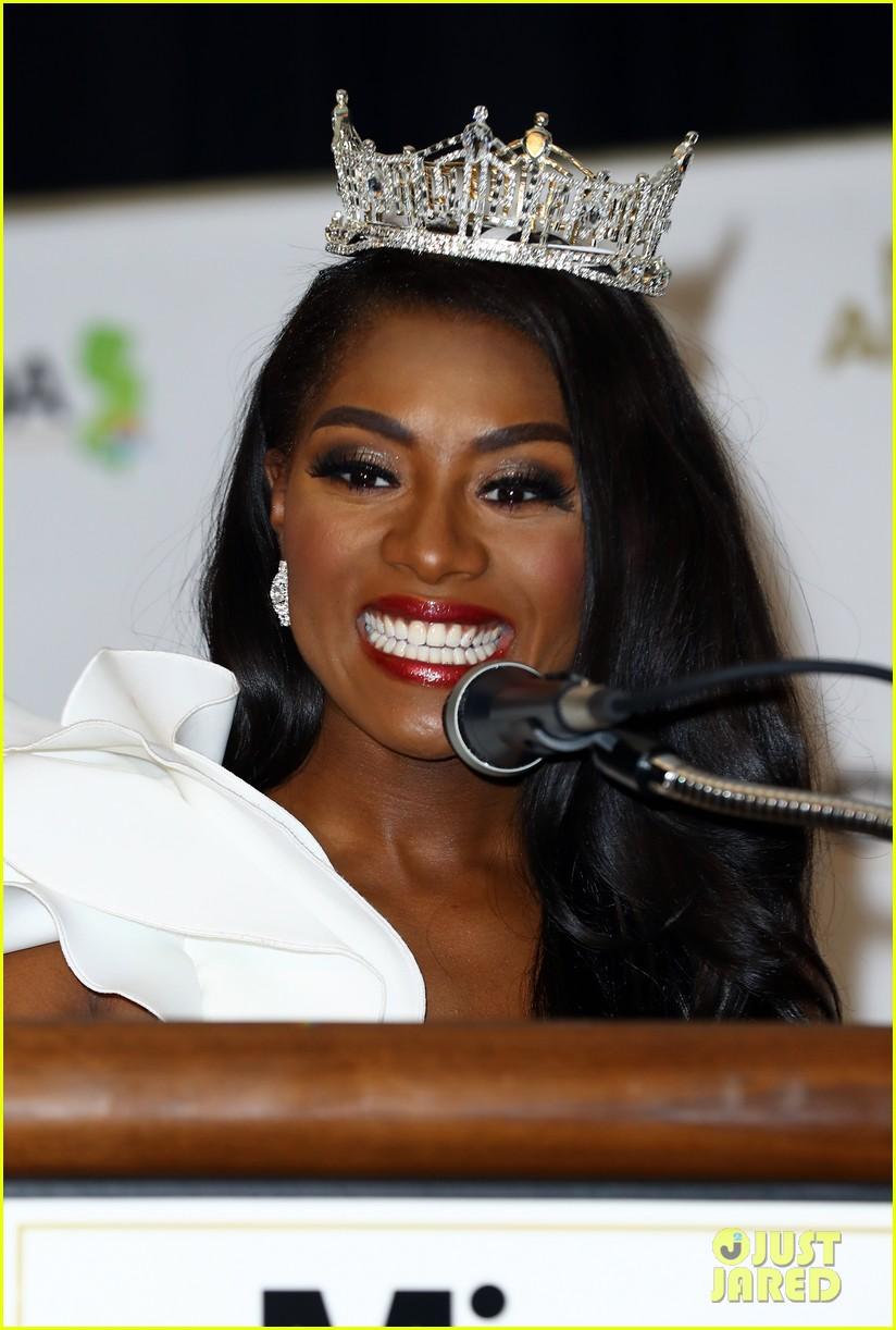 nia imani franklin, miss america 2019. - Página 3 Miss-america-2019-new-york-nia-imani-franklin-38