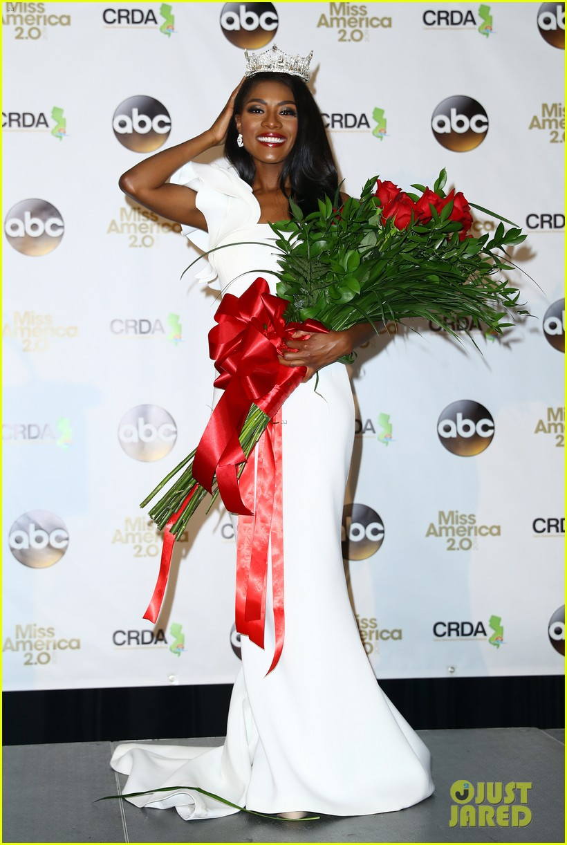 nia imani franklin, miss america 2019. - Página 3 Miss-america-2019-new-york-nia-imani-franklin-42