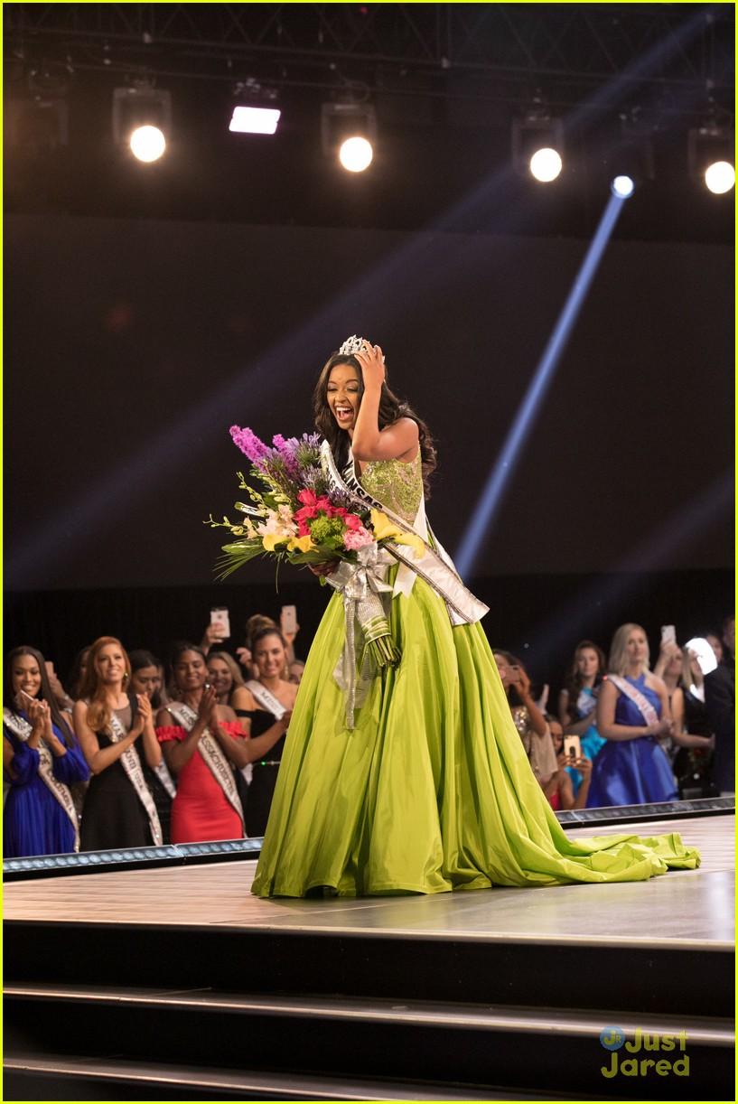 hailey colborn, miss teen usa 2018. Hailey-colborn-crowning-moment-miss-teen-usa-06