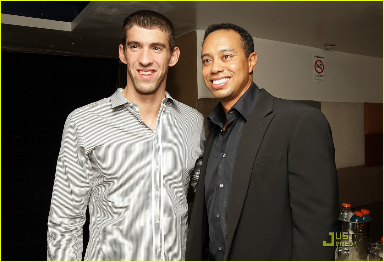 ¿Cuánto mide Michael Phelps? - Real height Michael-phelps-tiger-woods-08