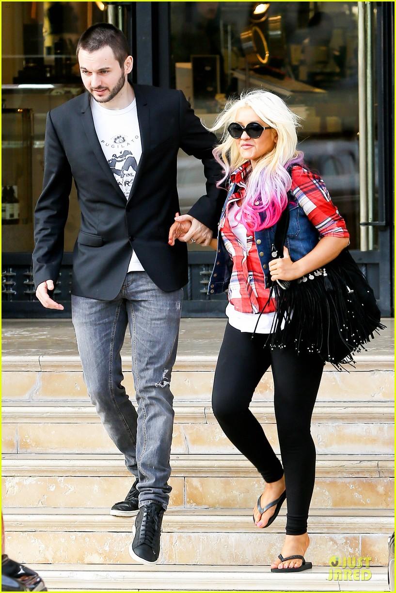 [Fotos] Christina Aguilera -  Beverly Hills 09/10/2012 Christina-aguilera-american-music-award-performer-11