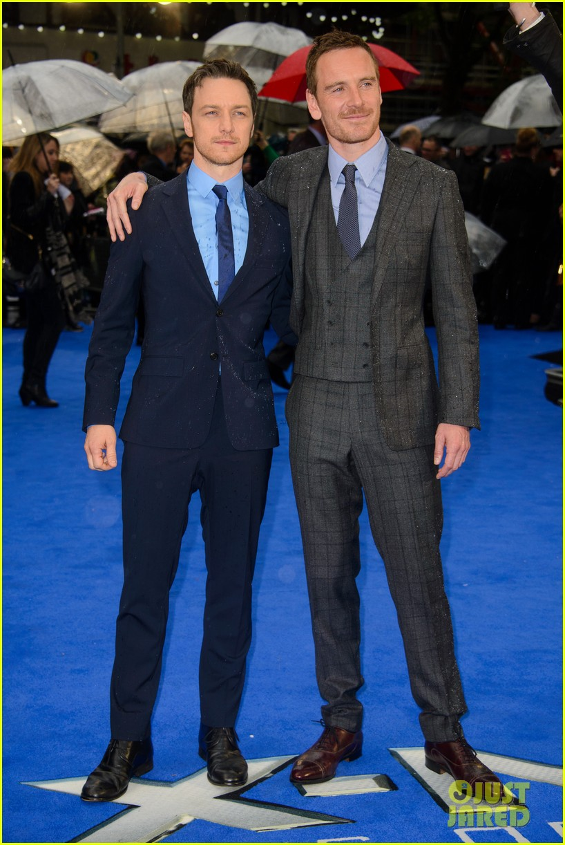 ¿Cuánto mide James McAvoy? - Altura - Real height Michael-fassbender-james-mcavoy-x-men-london-premiere-17