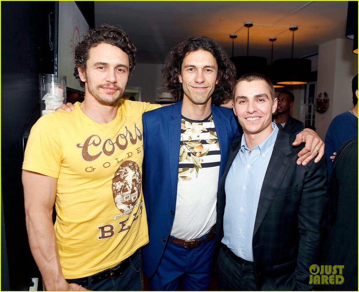 ¿Cuánto mide James Franco? - Altura - Real height Amber-heard-franco-brothers-art-exhibit-03