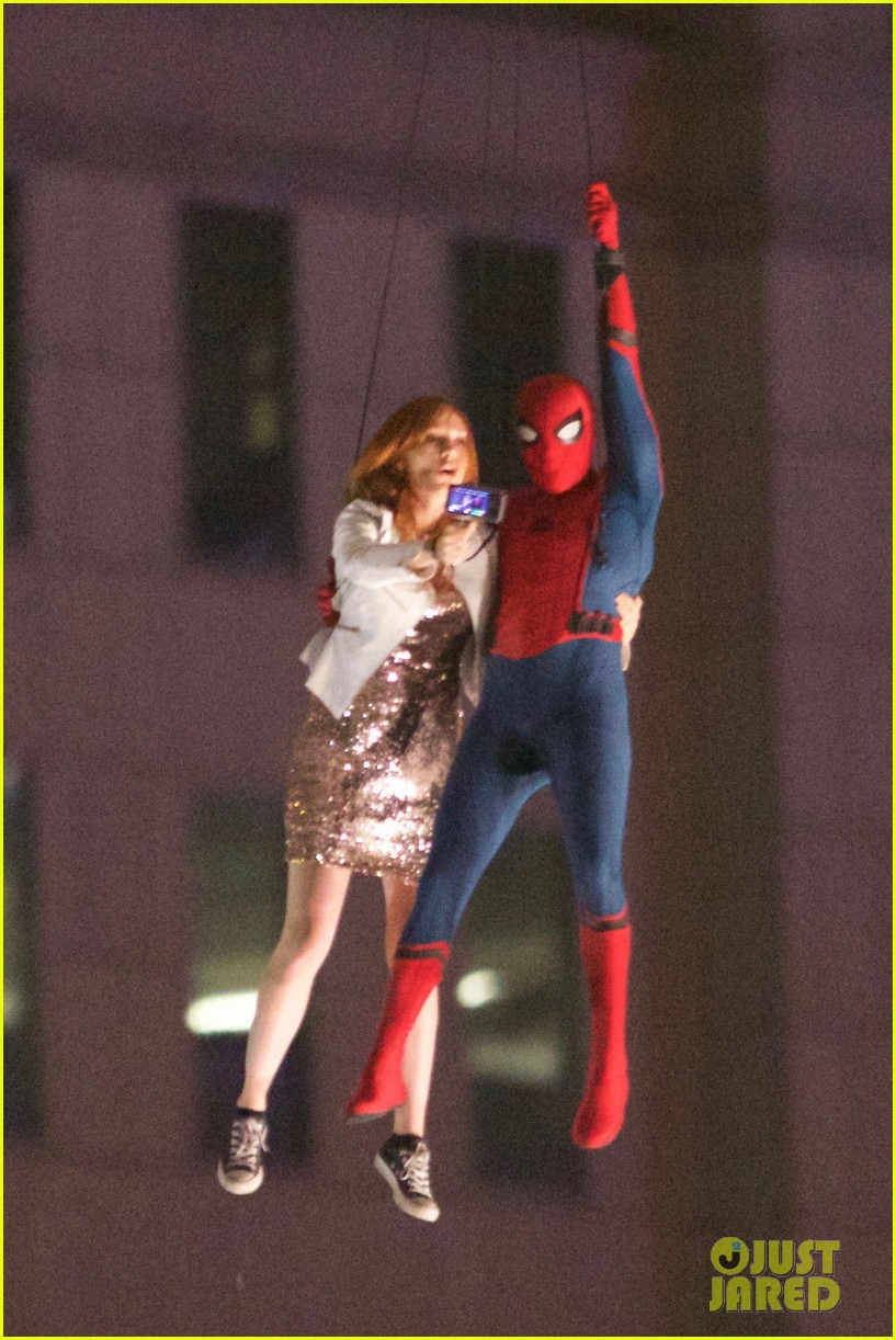 [En cartelera] Marvel's Spider-man: Homecoming  (2017) - Página 3 Spider-man-stunt-doubles-helicopter-scene-02
