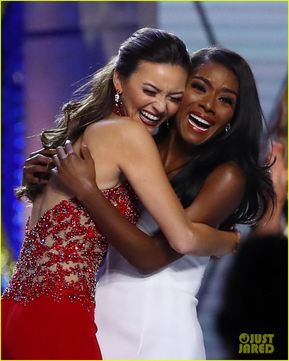 nia imani franklin, miss america 2019. - Página 2 Miss-america-2019-new-york-nia-imani-franklin-23