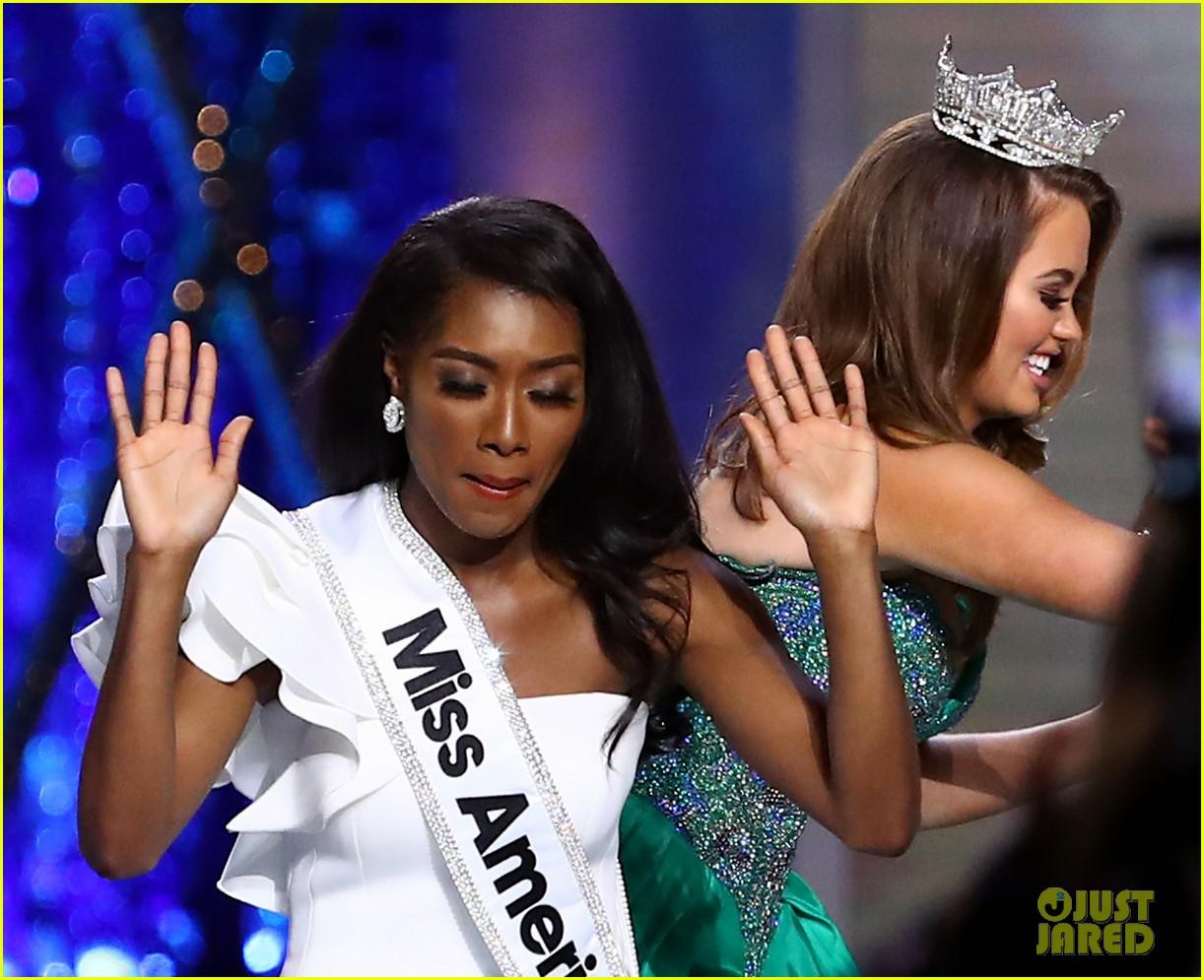 nia imani franklin, miss america 2019. - Página 3 Miss-america-2019-new-york-nia-imani-franklin-35