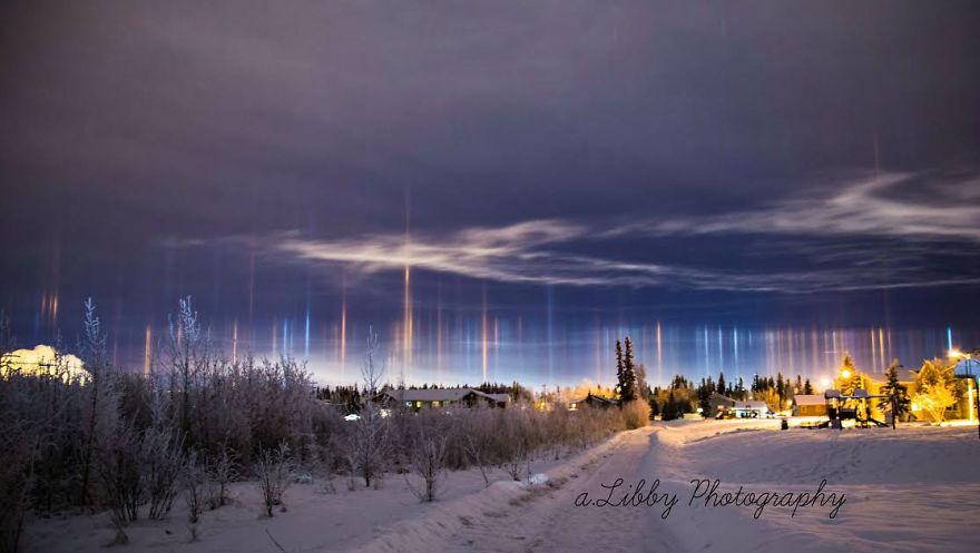 "Photographer Captures Amazing ""Pillars Of Light"" 2"