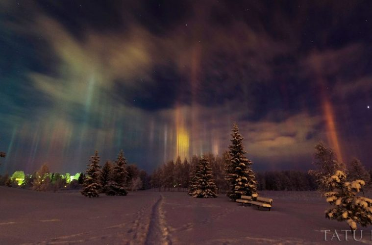 "Photographer Captures Amazing ""Pillars Of Light"" 7-759x500"