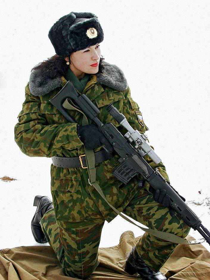 بالصور : 5 اسباب تدفع الفتيات للالتحاق بالجيش الروسى   1013651682