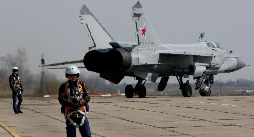 بالصور.. روسيا تسلح سوريا بـ6 طائرات ميغ – 31 1015225252