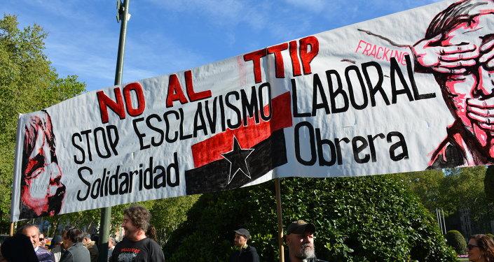 El TTIP (Transatlantic Trade and Investment Partnership) PPSOE, CIU y UPyD se oponen a que podamos decidir en referendum. - Página 2 1036547082